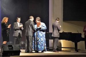 Apdovanojamas laureatas
